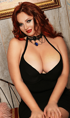 nice nude curvy girl
